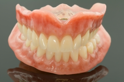 日本顕微鏡歯科学会認定医である副院長による最先端の顕微鏡歯科治療